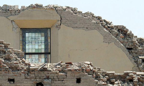 Viele kulturhistorisch interessante Bauten befinden sich in Italien auf erdbebengefährlichem Gebiet. Der Dom von Mirandola wurde beim letzten Beben schwer beschädigt. / Bild: (c) EPA (DANIEL DAL ZENNARO)