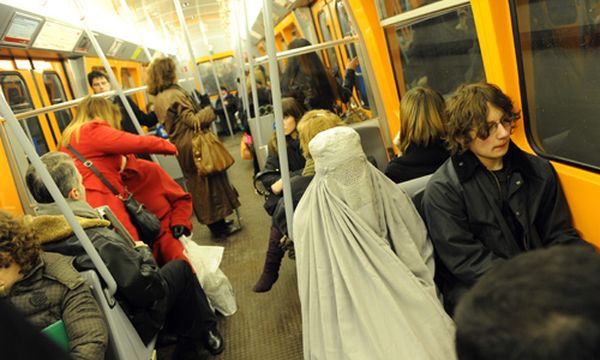 Burka / Bild: (c) Clemens Fabry