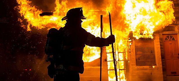 Die Feuerwehr von Baltimore musste in der Nacht auf Dienstag mehrmals ausrücken. / Bild: (c) REUTERS
