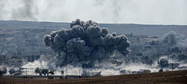 Symbolbild: Explosion in Kobane / Bild: (c) APA/EPA/ERDEM SAHIN (ERDEM SAHIN)