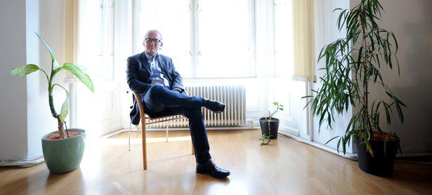 """Mediator Herbert Drexler: """"Es geht nicht darum, dass einer seinen Standpunkt aufgibt, sondern es soll gemeinsam eine Lösungen gefunden werden."""" / Bild: (c) Die Presse (Clemens Fabry)"""