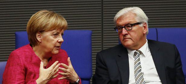 Merkel/ Steinmeier / Bild: (c) REUTERS (THOMAS PETER)