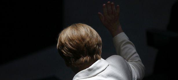 Gehen oder bleiben? Bundeskanzlerin Angela Merkel gibt Deutschland derzeit Rätsel auf. / Bild: (c) REUTERS (HANNIBAL HANSCHKE)