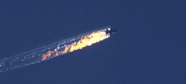 Ein türkischer F-16 Jet hat das Flugzeug an der Grenze abgeschossen. / Bild: APA/EPA/HABERTURK TV CHANNEL