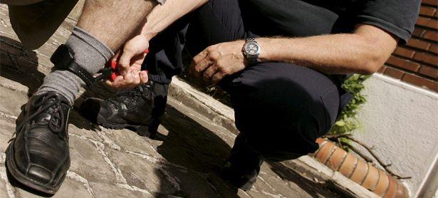 Symbolbild: Fußfessel in Frankreich. / Bild: (c) EPA