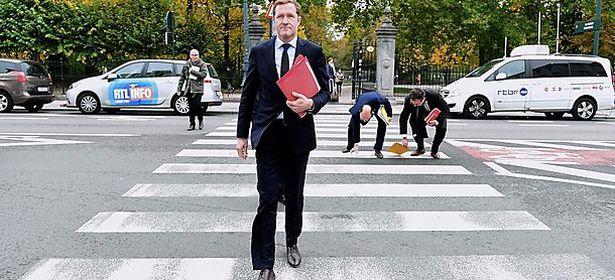Der wallonische Premier Paul Magnette war auch am Montag bei den EU-Institutionen zu Gast. / Bild: APA/AFP/EMMANUEL DUNAND