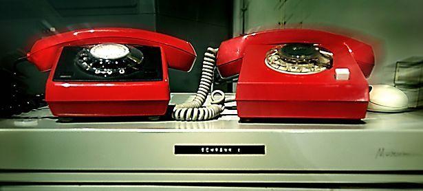 """""""Rote Telefone"""" hielten zur Zeit des Kalten Krieges die Verbindung zwischen Washington und Moskau / Bild: imago/imagebroker/bail"""