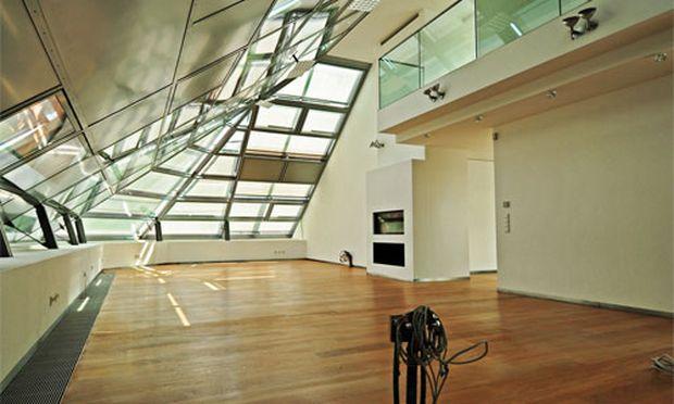 wohnen unterm dach oben wird es eng und teuer. Black Bedroom Furniture Sets. Home Design Ideas