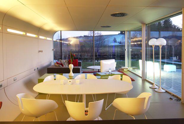 raumwunder wieviel platz braucht man zum wohnen. Black Bedroom Furniture Sets. Home Design Ideas