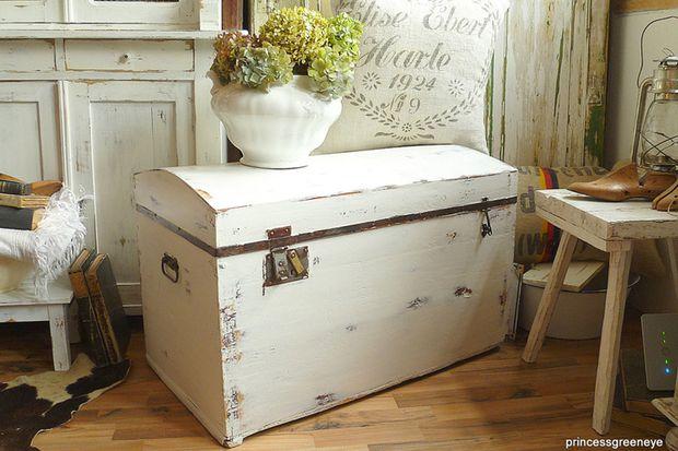 ab in die kiste truhen im wohnbereich. Black Bedroom Furniture Sets. Home Design Ideas