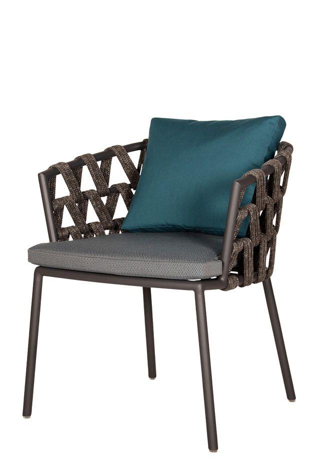 gr nes wohnzimmer platz nehmen. Black Bedroom Furniture Sets. Home Design Ideas