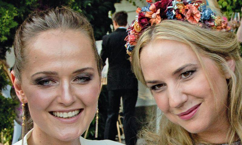 """Adabei. Designerinnen Eva Poleschinski und Niki Osl auf der """"Diva""""-Gala in Salzburg.  / Bild: (c) Beigestellt"""