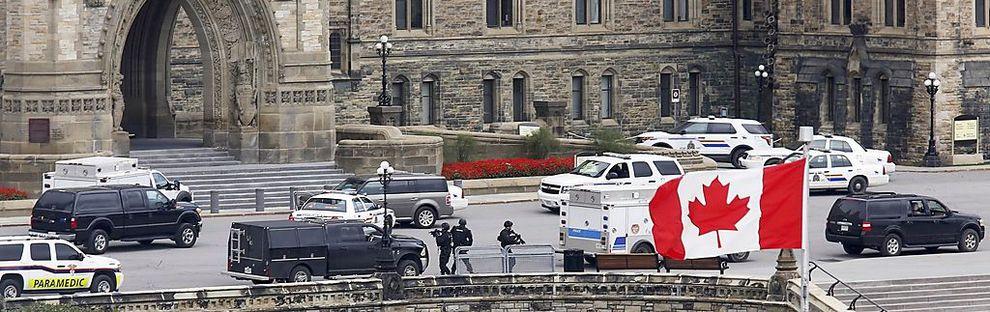 Sicherheitskräfte umstellten das Parlament in Ottawa / Bild: REUTERS