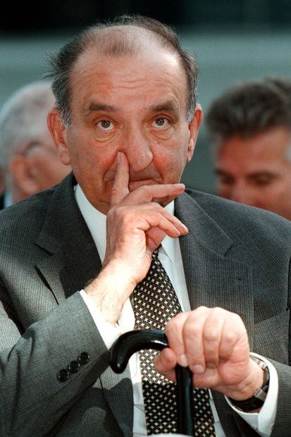 (c) APA (Georges Schneider)
