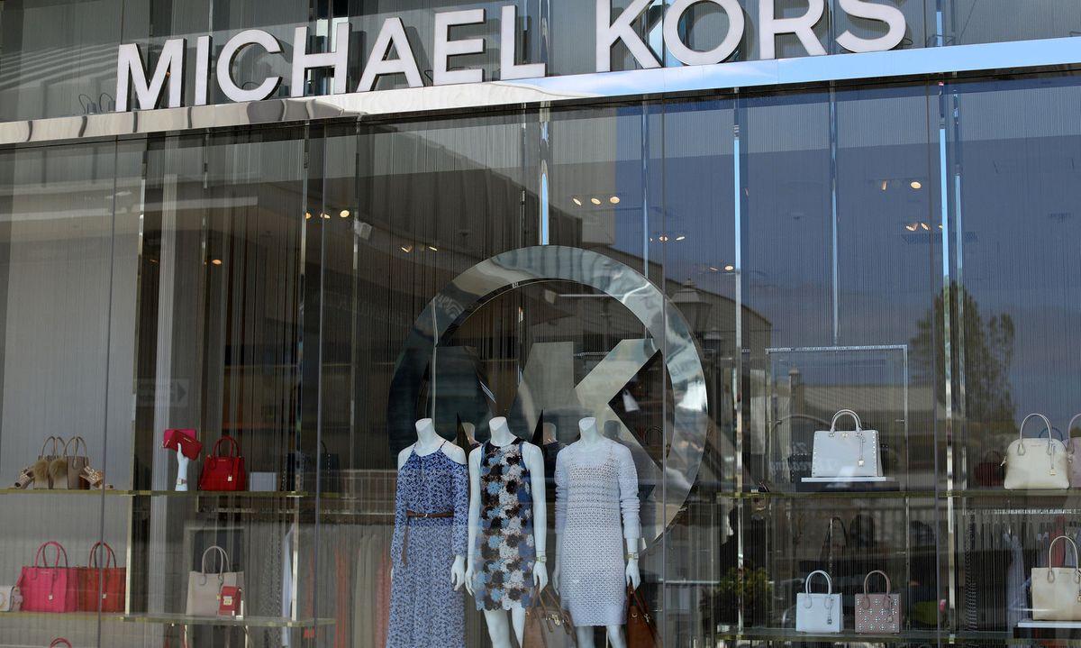 1ef541c79839d Luxustaschen-Firma Michael Kors sperrt über 100 Läden zu