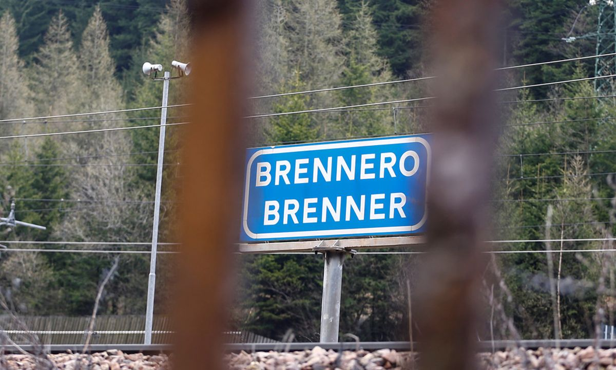 """brenner thesis """"provides brilliant insight into the strengths and weaknesses of clinical psychology within the framework of care of souls as a practicing psychiatrist i find."""