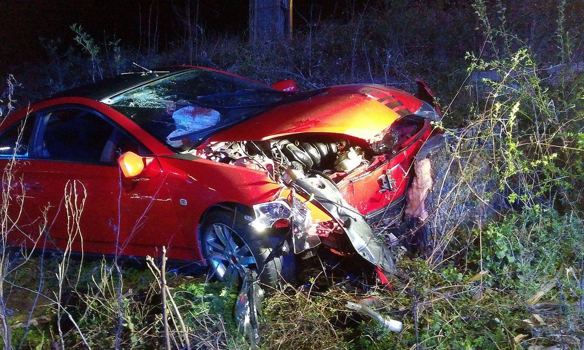 tt.com Drei Teenager bei Autounfall verletzt 7a37f6ff2de