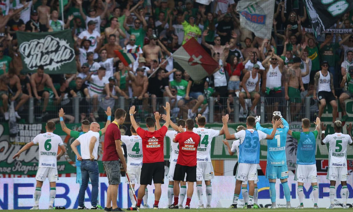 Rapid Hat In Der Zweiten Runde Der Fußball Bundesliga Seinen Ersten Sieg  Eingefahren Und Damit Zumindest Bis Sonntag Die Tabellenspitze übernommen.